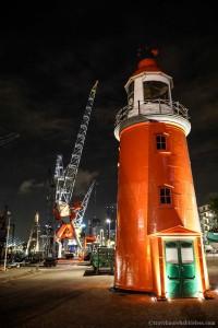 Maritiem Museum /Leuchtturm in Rotterdam bei Nacht