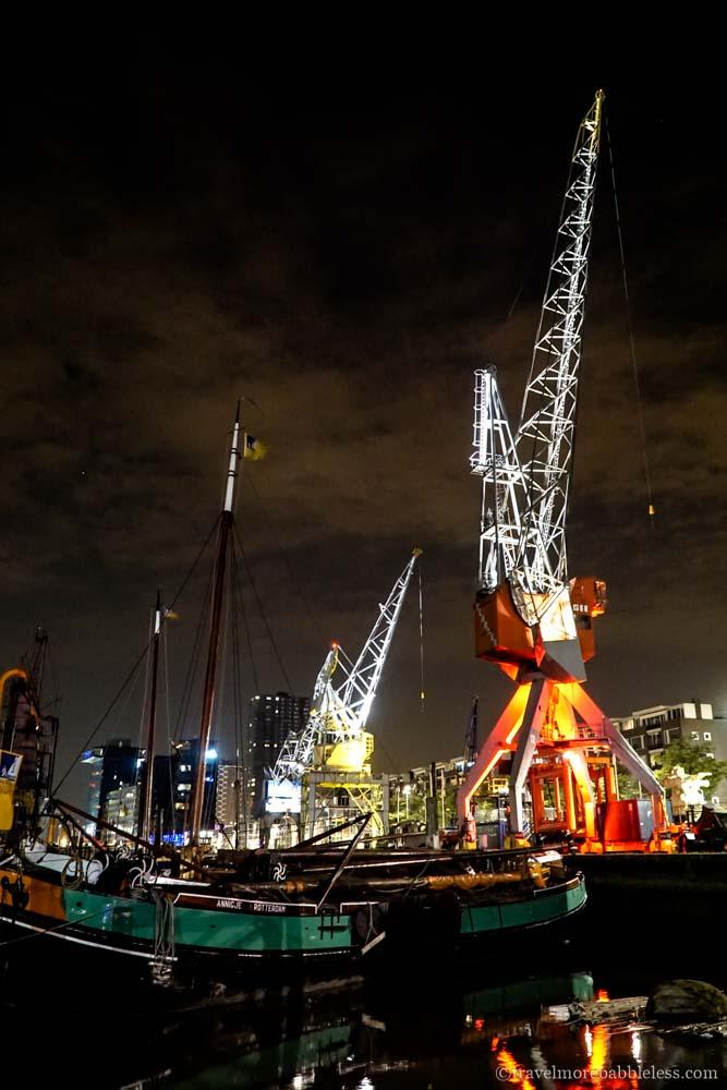 Maritiem Museum in Rotterdam bei Nacht