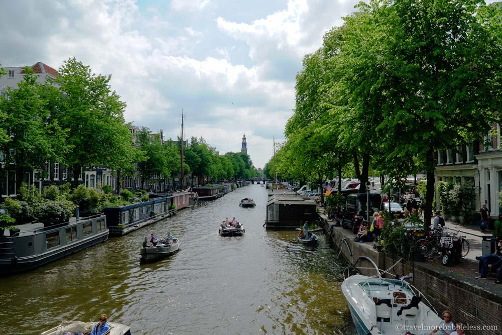 Prinsengracht mit Westerkerk im Hintergrund