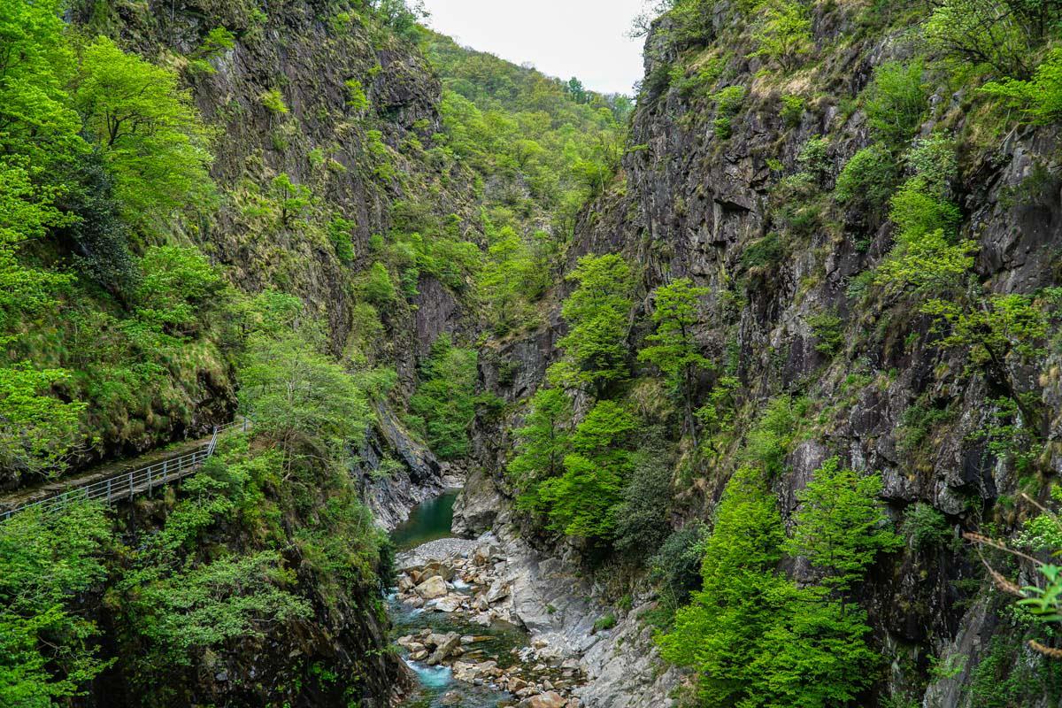 Weg nach Cicogna im Val Grande