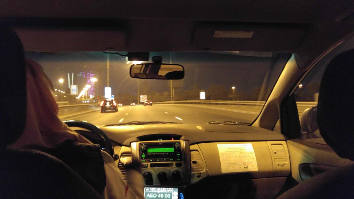 Taxifahrt durch Dubai