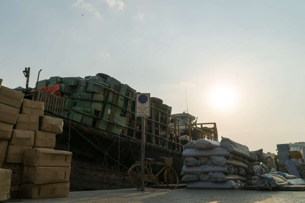 Boot im Hafen vom Dubai Creek