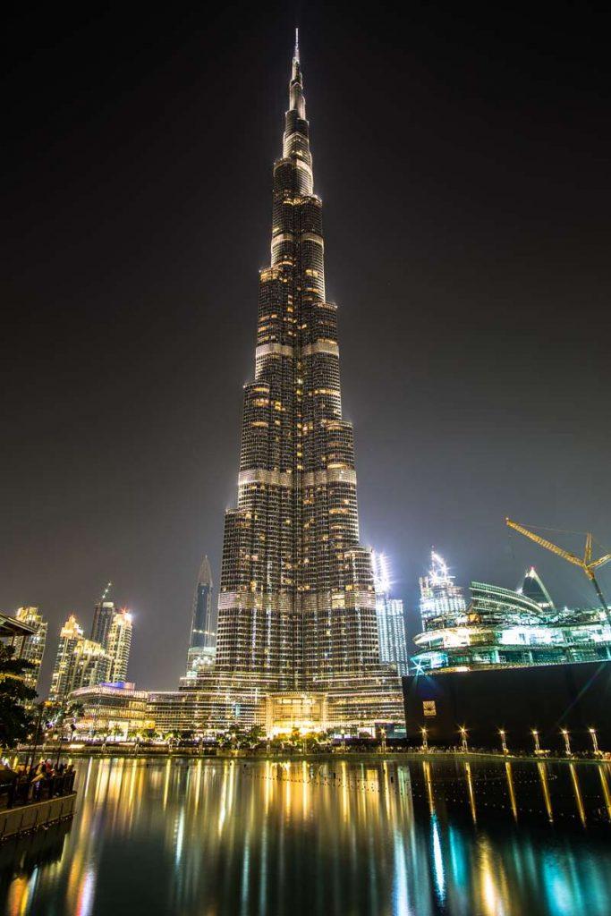 Diese Sehenswürdigkeit solltet ihr nicht verpassen: Burj Khalifa bei Nacht