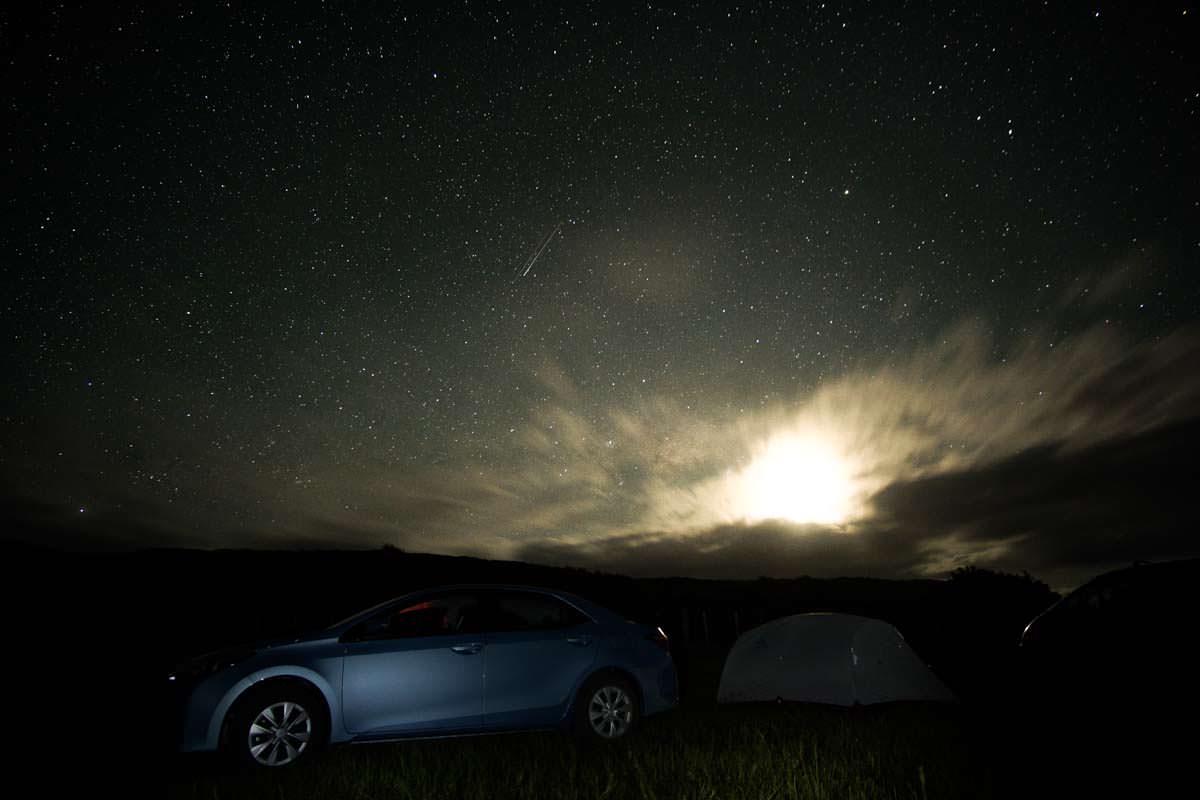 Spirits Bay Campsite bei Nacht in Northland, Neuseeland
