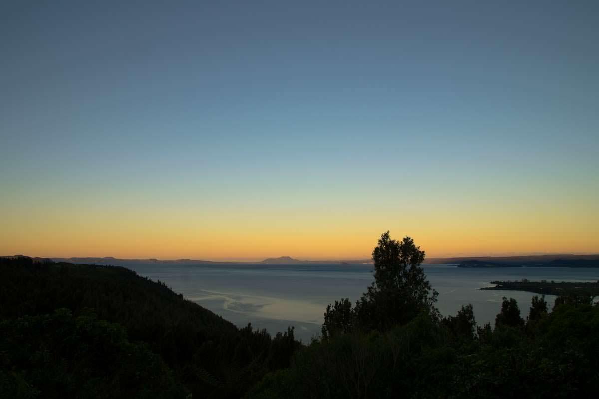 Sonnenuntergang am Lake Taupo in Neuseeland