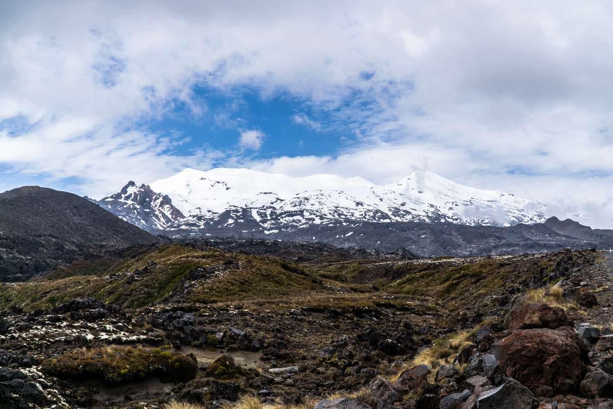 Der schneebedeckte Mount Ruapehu im Tongariro Nationalpark in Neuseeland