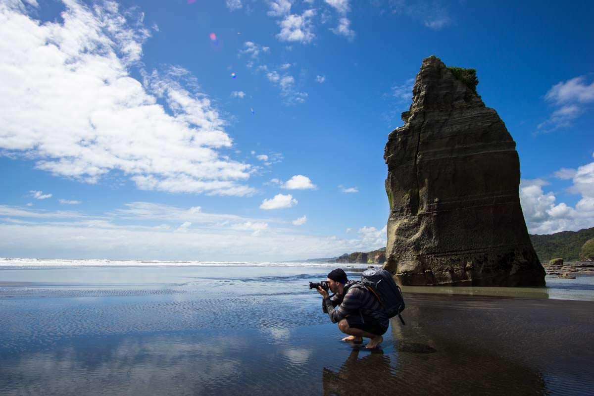 Three Sisters am Strand von Tongaporutu, Neuseeland