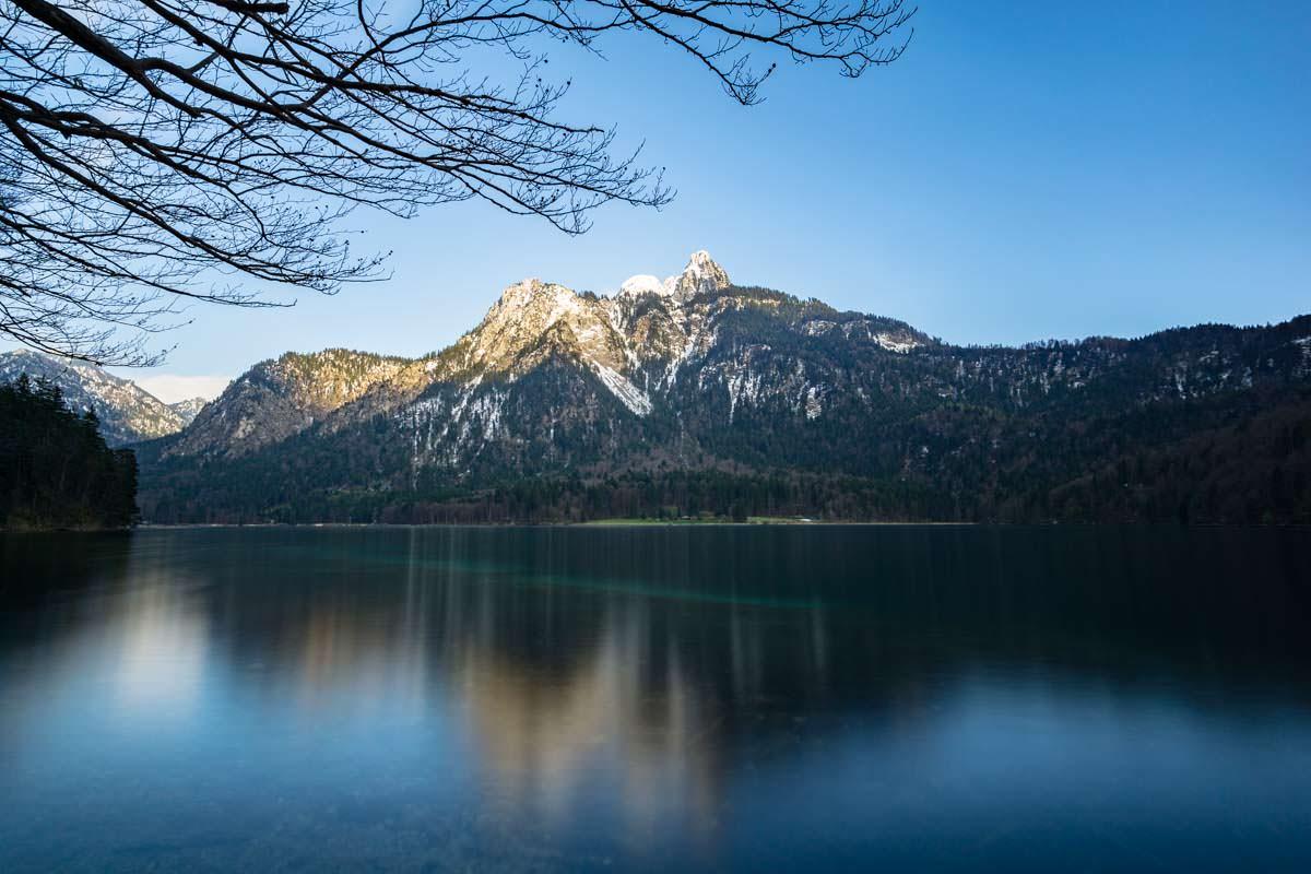 Der Alpsee in Füssen mit Säuling im Hintergrund