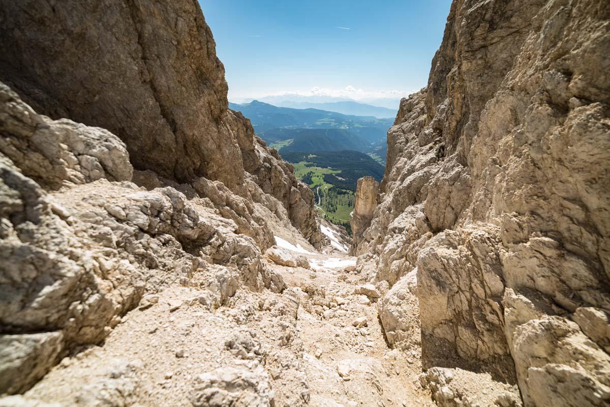 Blick vom Tschagerjoch am Rosengarten in den Dolomiten
