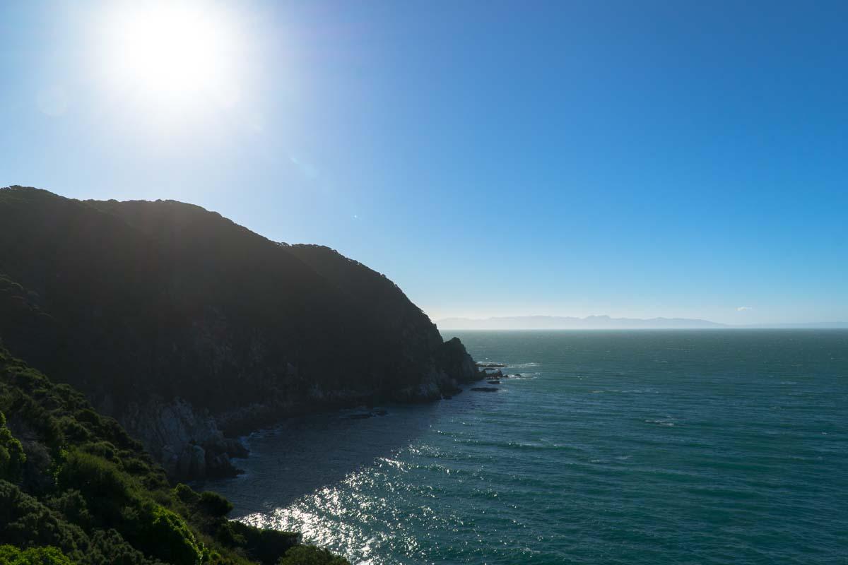 Blick auf Farewell Spit vom Separation Point im Abel Tasman Nationalpark