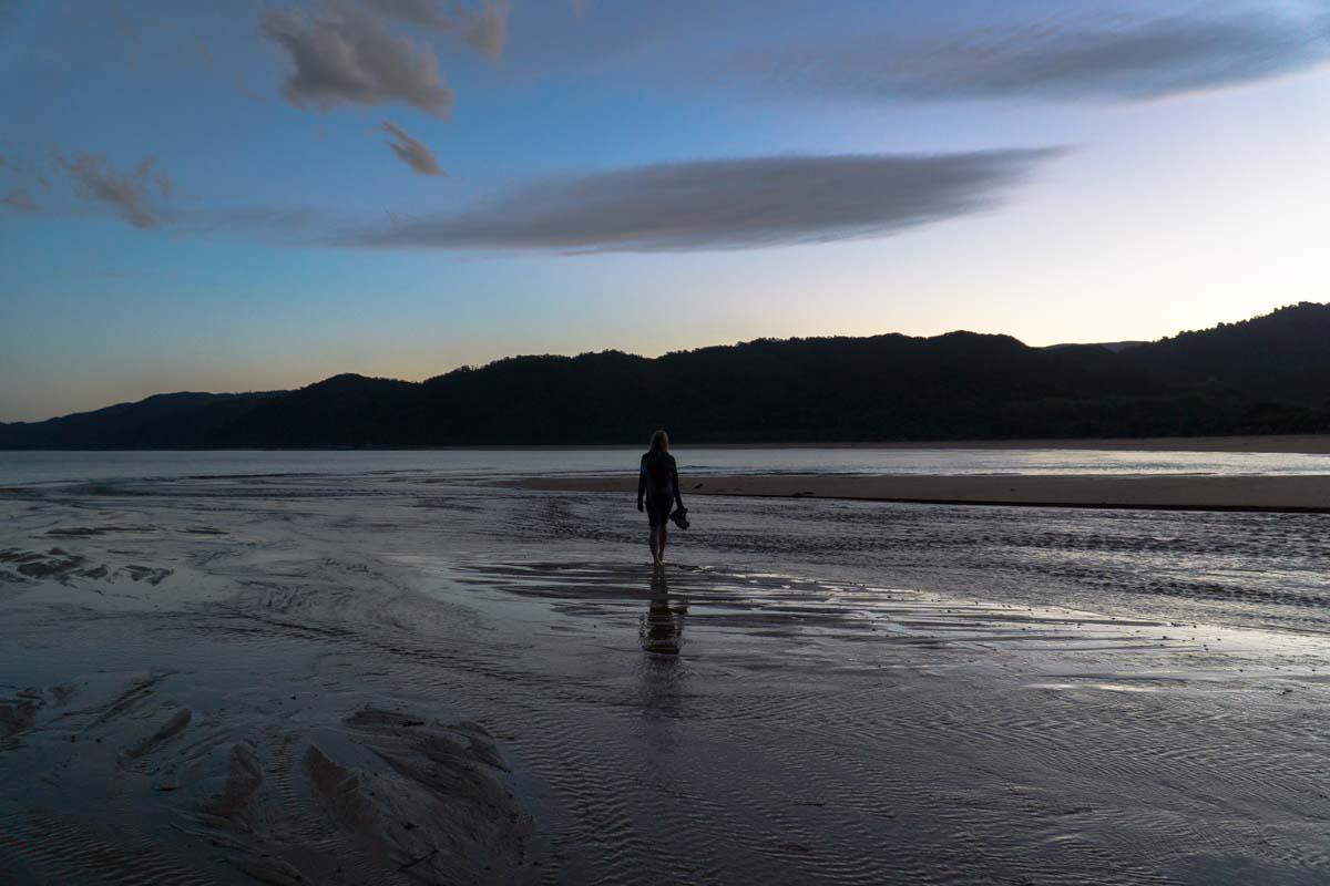 Strandspaziergang im Abel Tasman Nationalpark