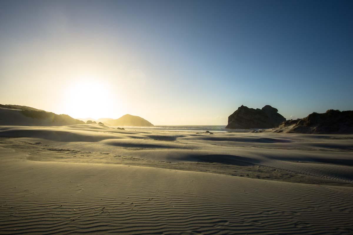 Dünen am Wharariki Beach in Neuseeland