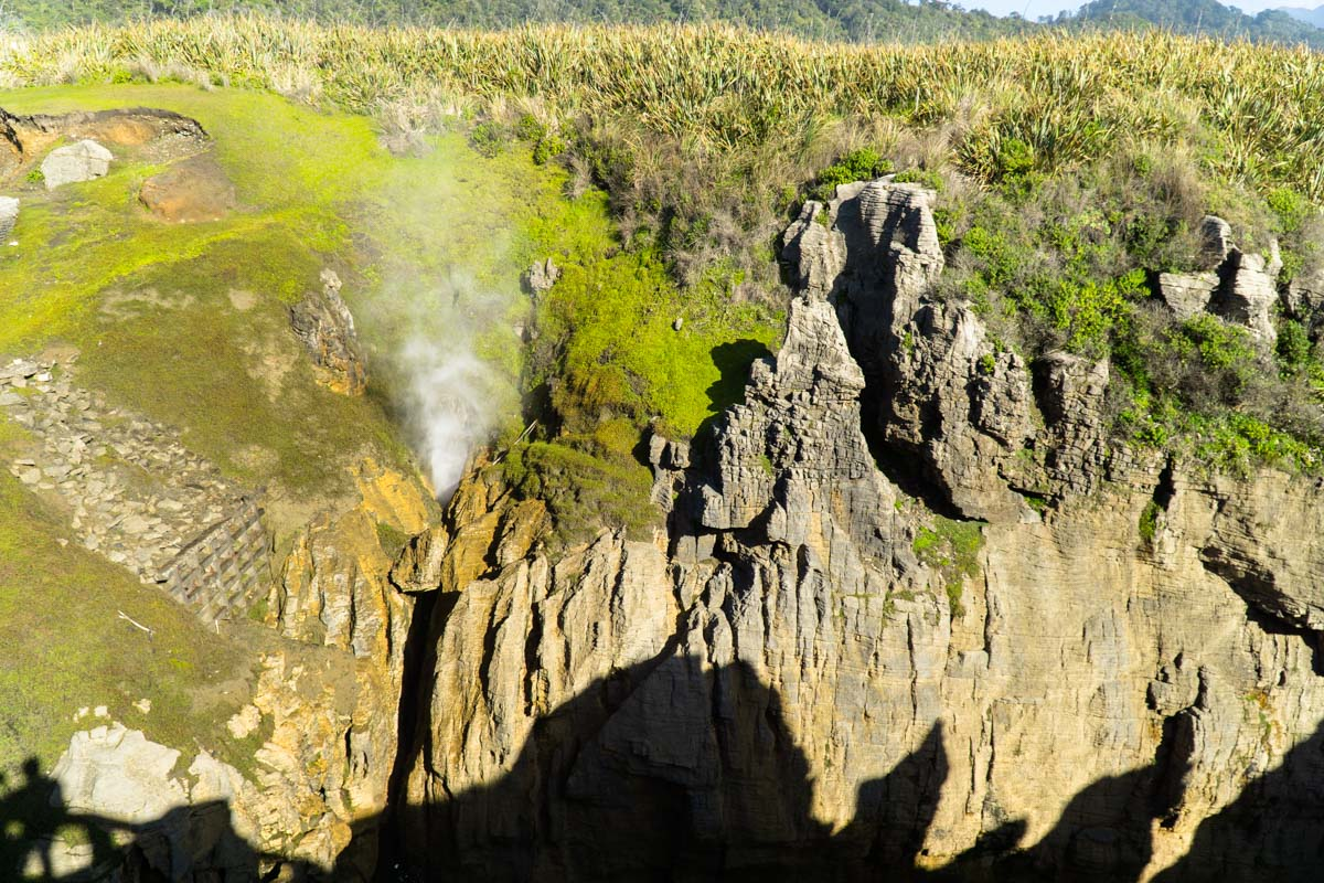 Punakaiki Blowhole in Neuseeland