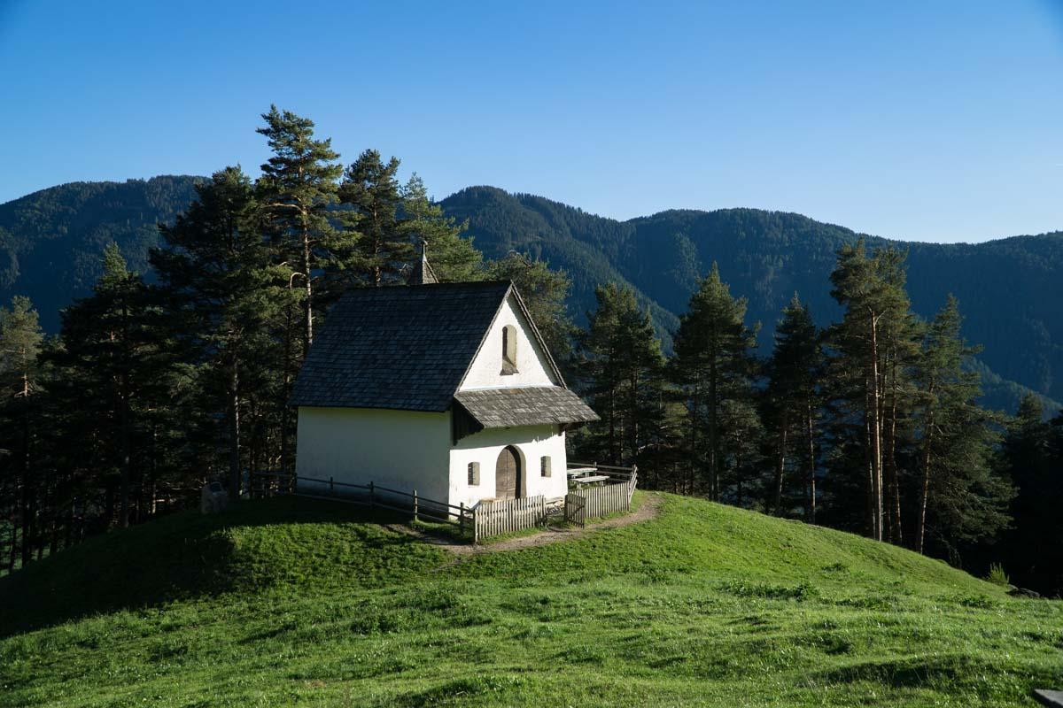 Kirche San Sebastiano in den Dolomiten