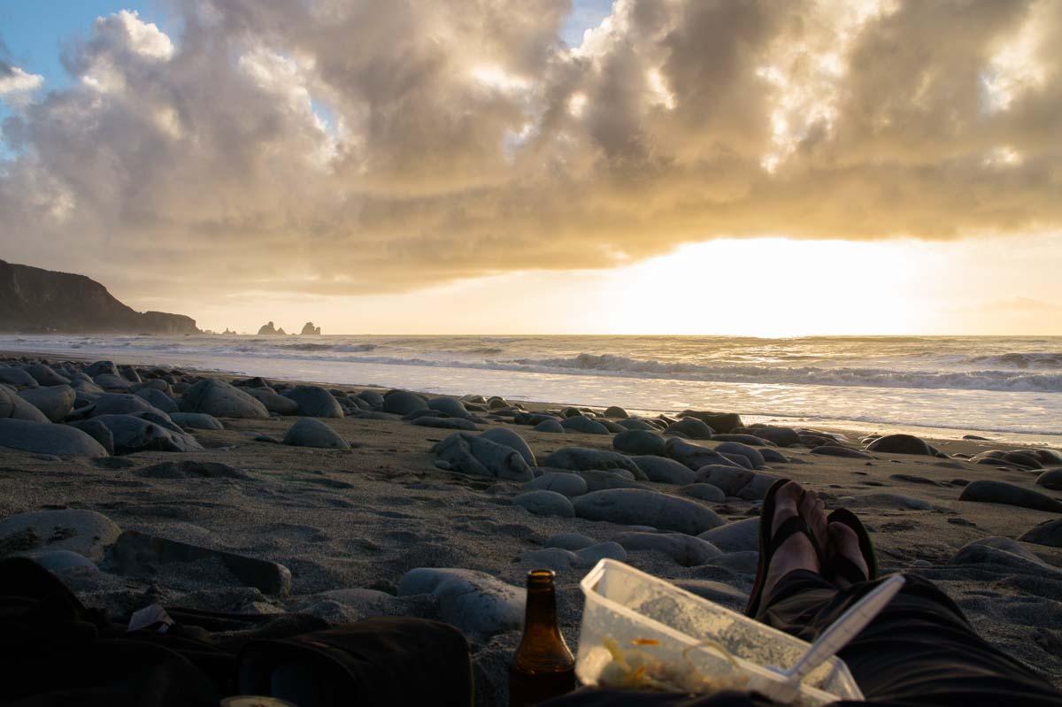 Westküsten-Strand in Neuseeland