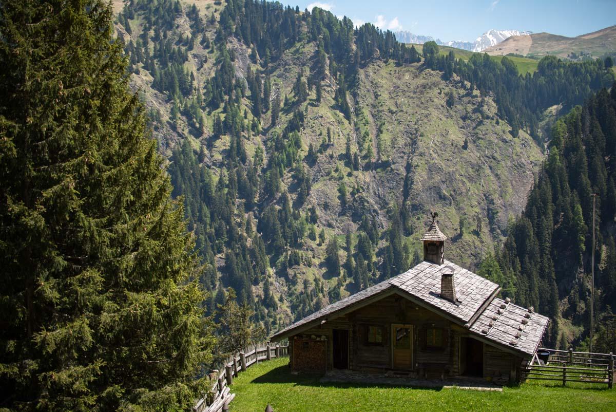 Kleine Hütte am Schlern