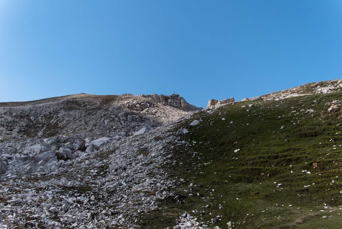 Der Gipfel vom Monte Pez in greifbarer Nähe