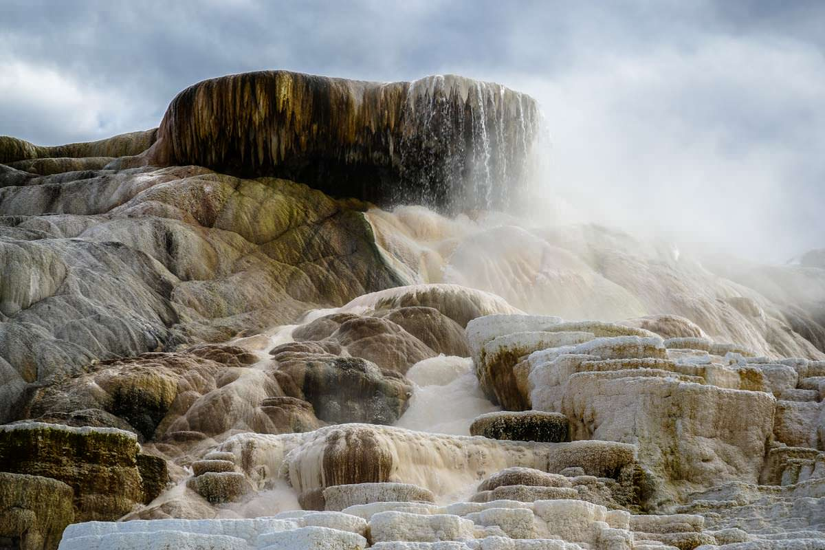 Mammoth Terraces in Mammoth Hot Springs (Yellowstone)