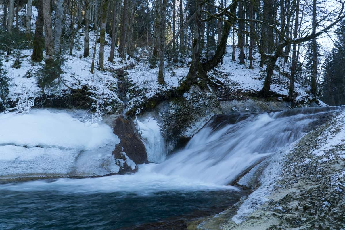 Wasserfall im Eistobel im Winter