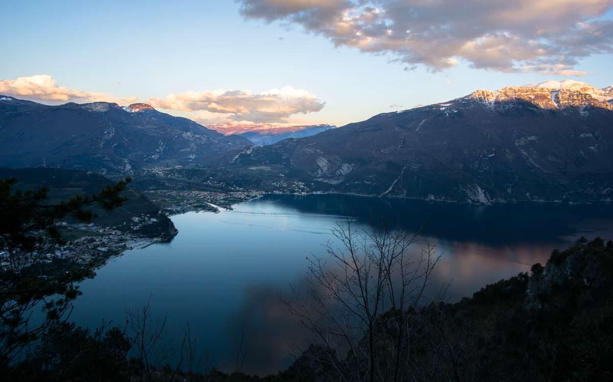 Sonnenuntergang über Riva del Garda
