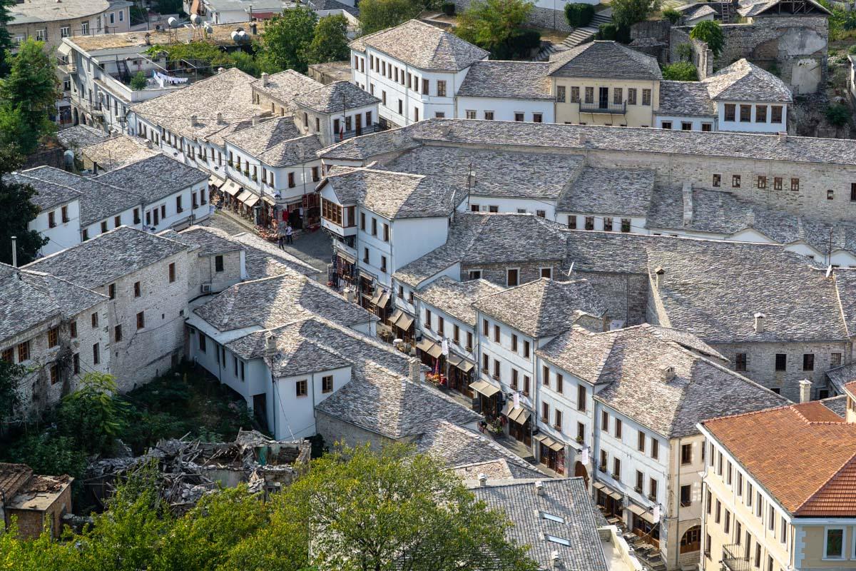 Über den Dächern von Gjirokastra (Albanien)