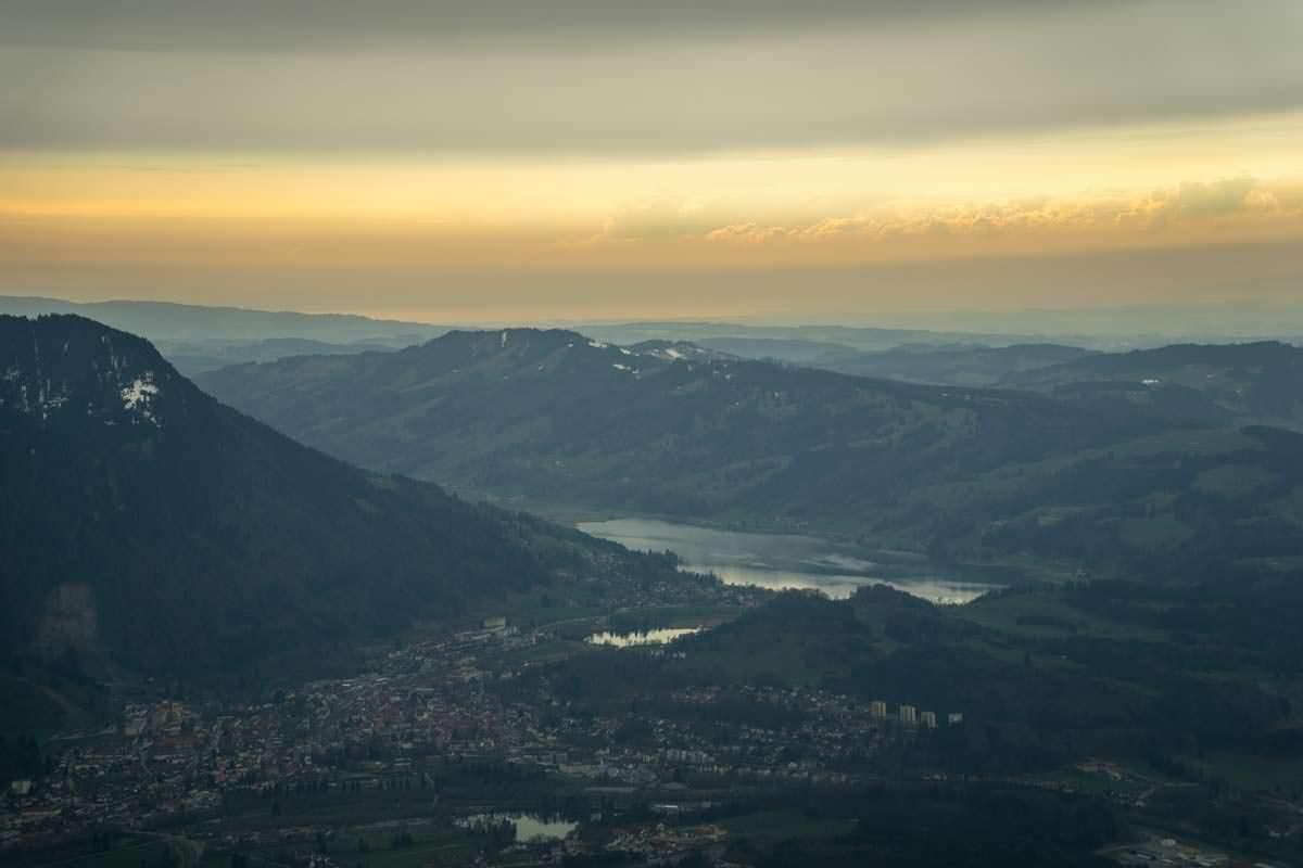 Blick auf den großen Alpsee vom Grünten.