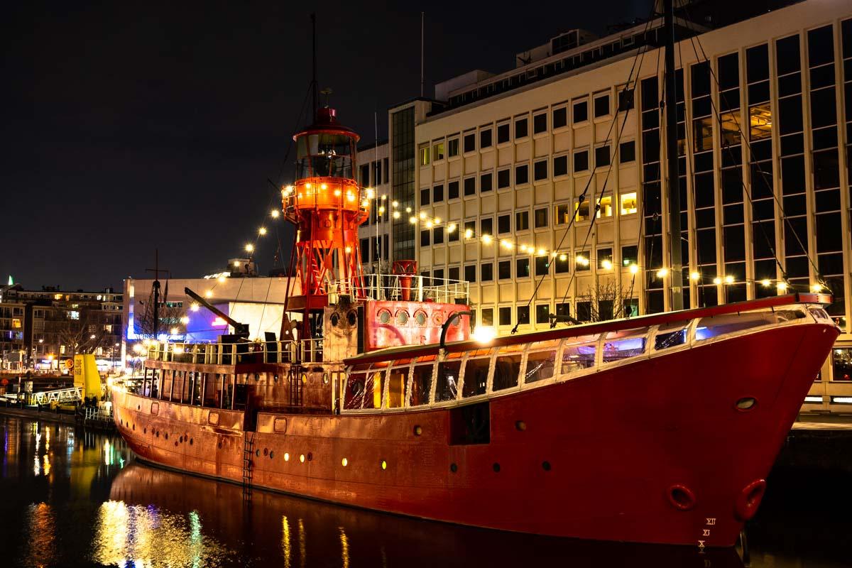 Historisches Schiff am Leuvehaven (Rotterdam)