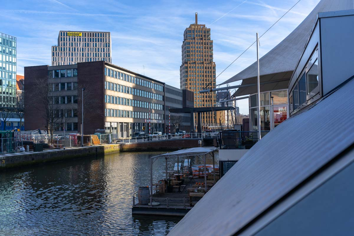 Restaurant und Terrasse des H2otel (Rotterdam)