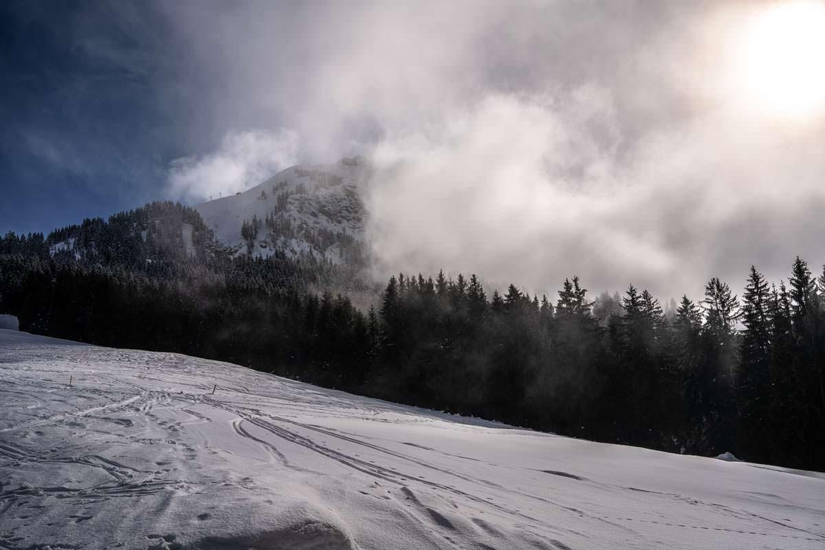 Übelhorn zwischen Sonne und Nebel