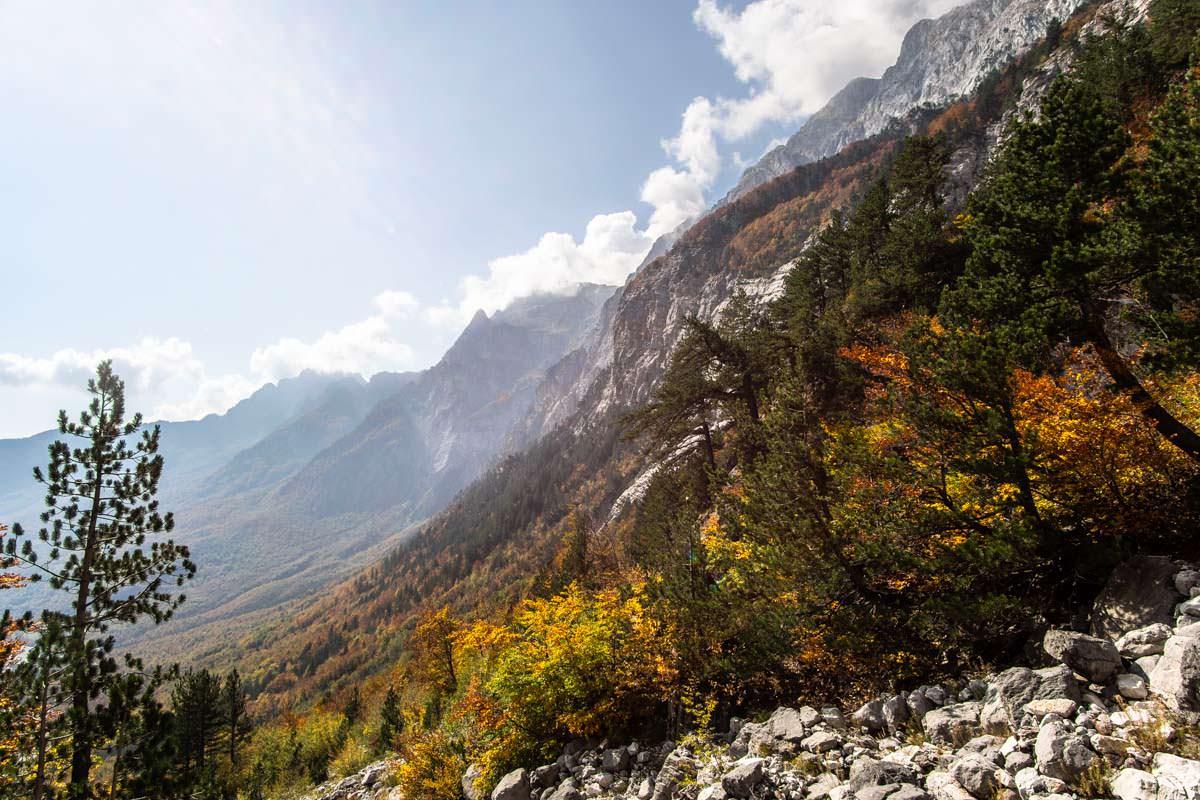 Die Albanischen Alpen im Herbst