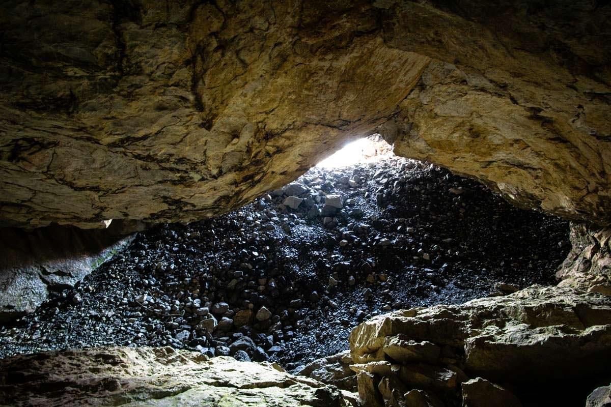 Arapi Höhle (Theth, Albanien)