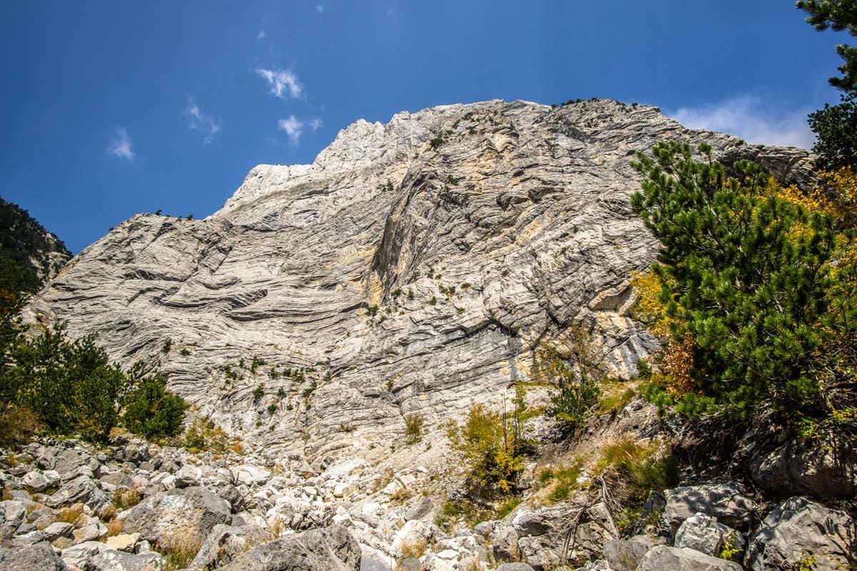 Die Steilwand des Arapi (Theth, Albanien)