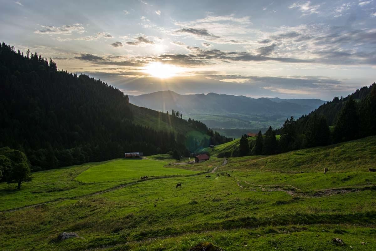 Sonnenuntergang über der Richteralpe im Allgäu