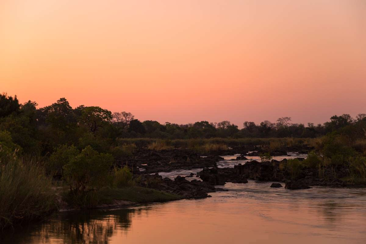 Popa Falls bei Sonnenuntergang (Namibia)