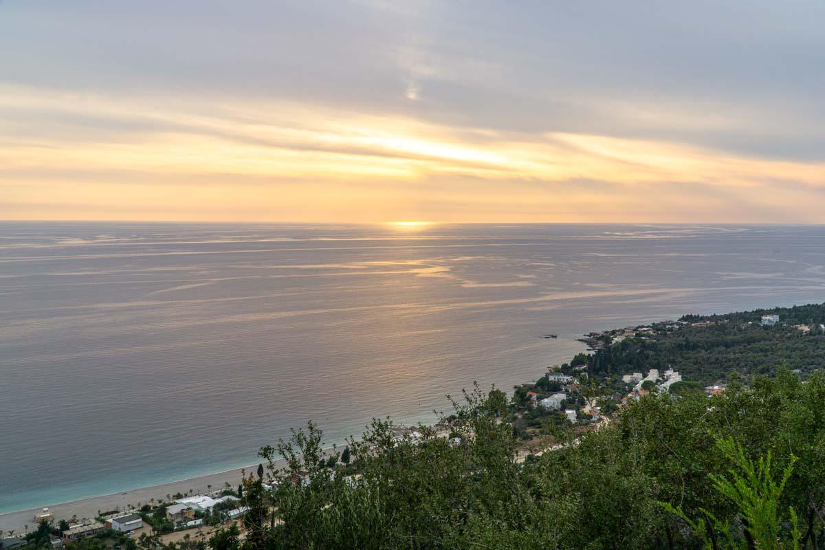 Unvergessliche Sonnenuntergänge bei einem Urlaub in Albanien