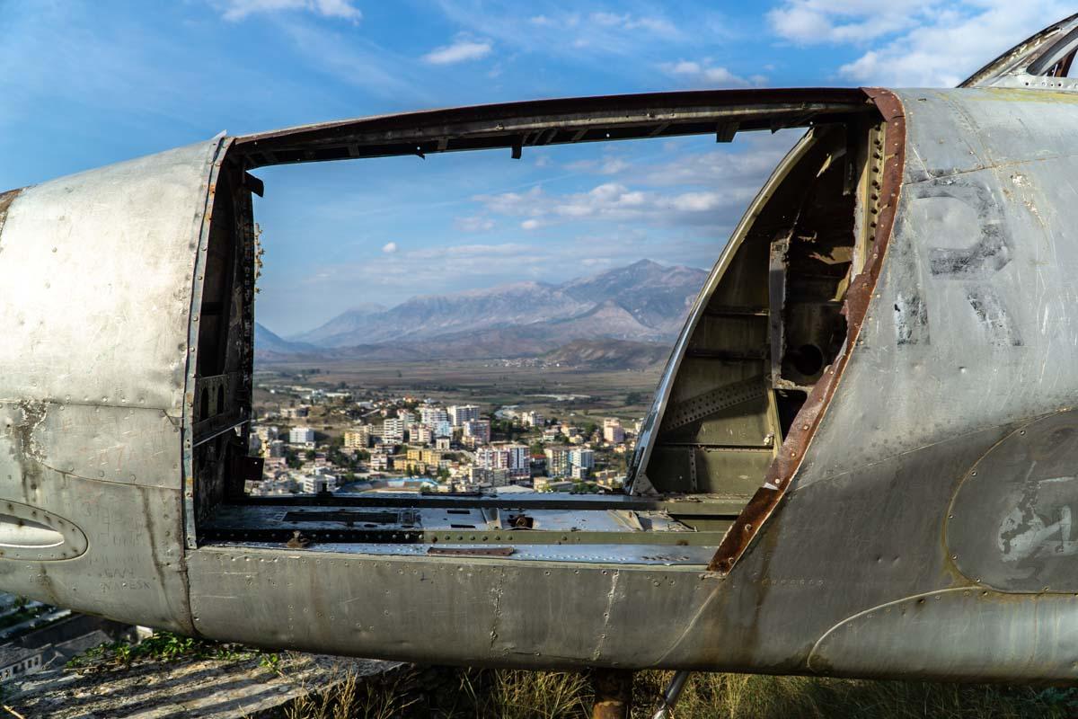 Flugzeug von Gjirokastra (Albanien)
