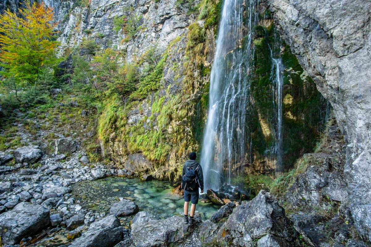 Grunas Wasserfall bei Theth in den Albanischen Alpen