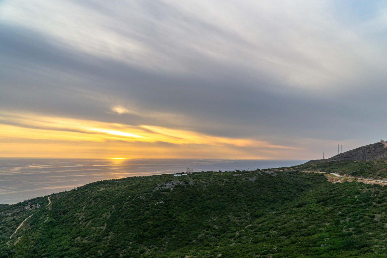 Sonnenuntergang an der Küste von Albanien