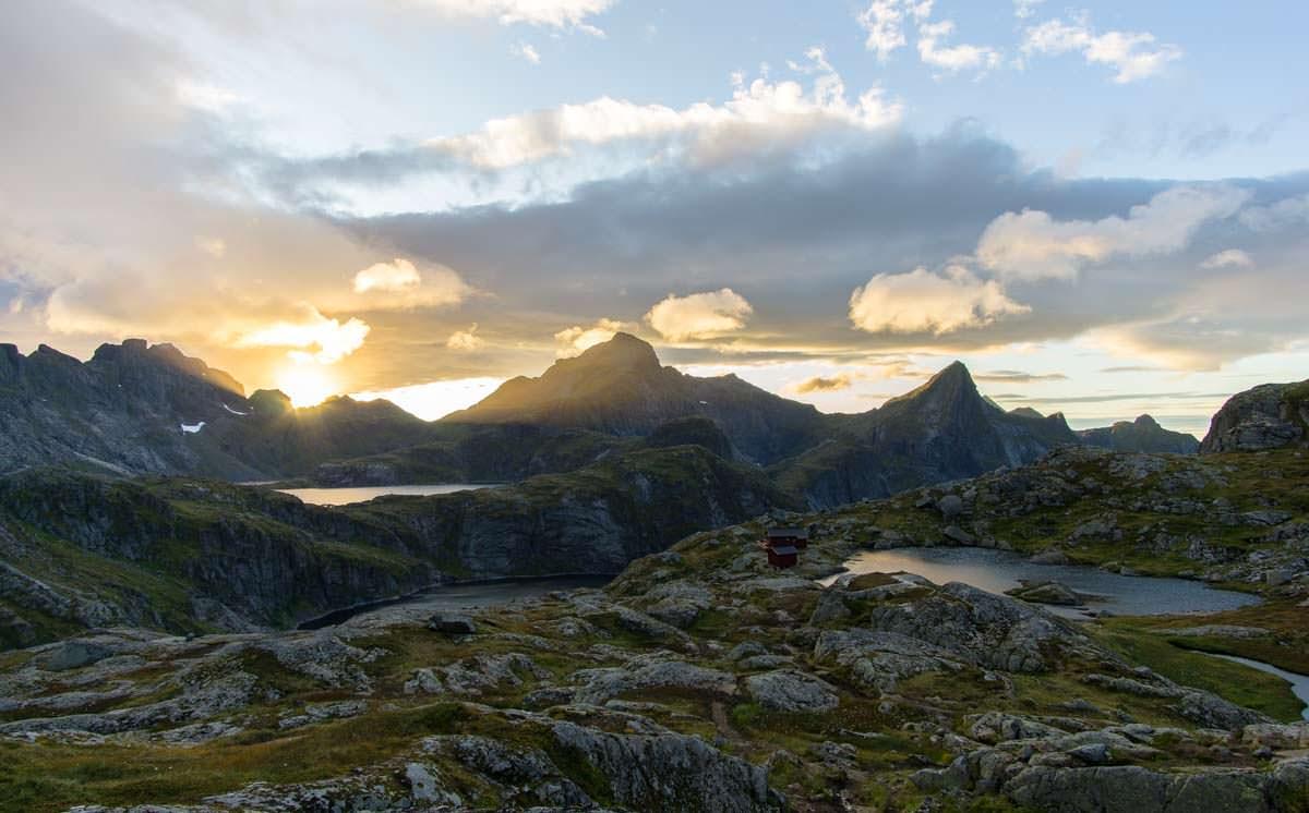 Sonnenuntergang über der Munkebu Hut