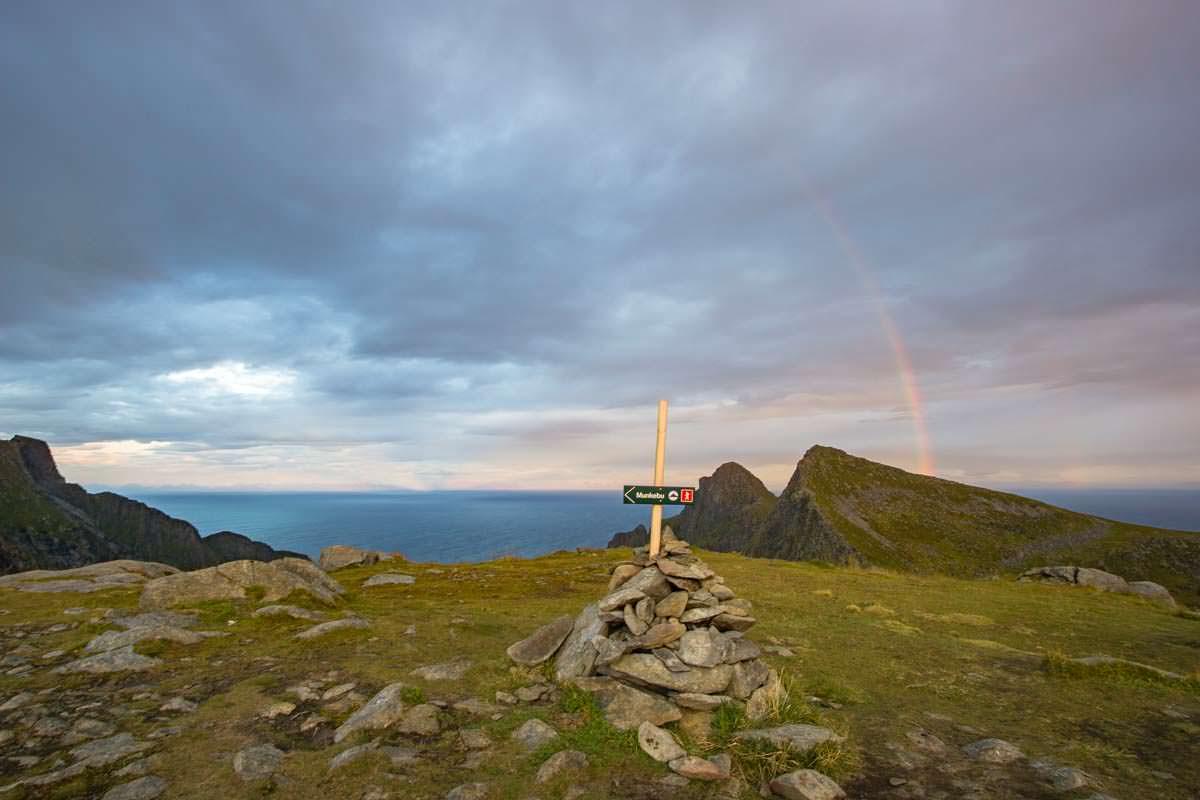 Hoch über dem Meer: eine Wanderung zur Munkebu Hut