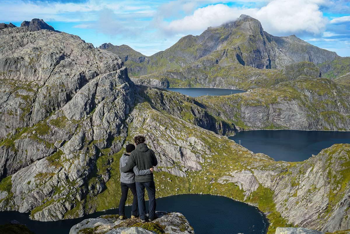 Eine atemberaubende Wanderung mit Wildcamping auf den Lofoten - die Tour zur munkebu Hut