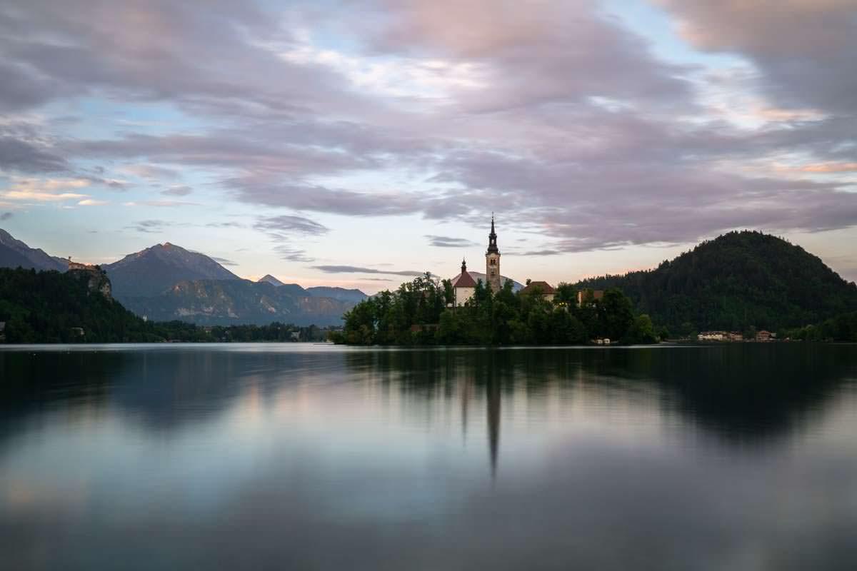 Auf der Insel im Bleder See befindet sich die berühmte Marienkirche