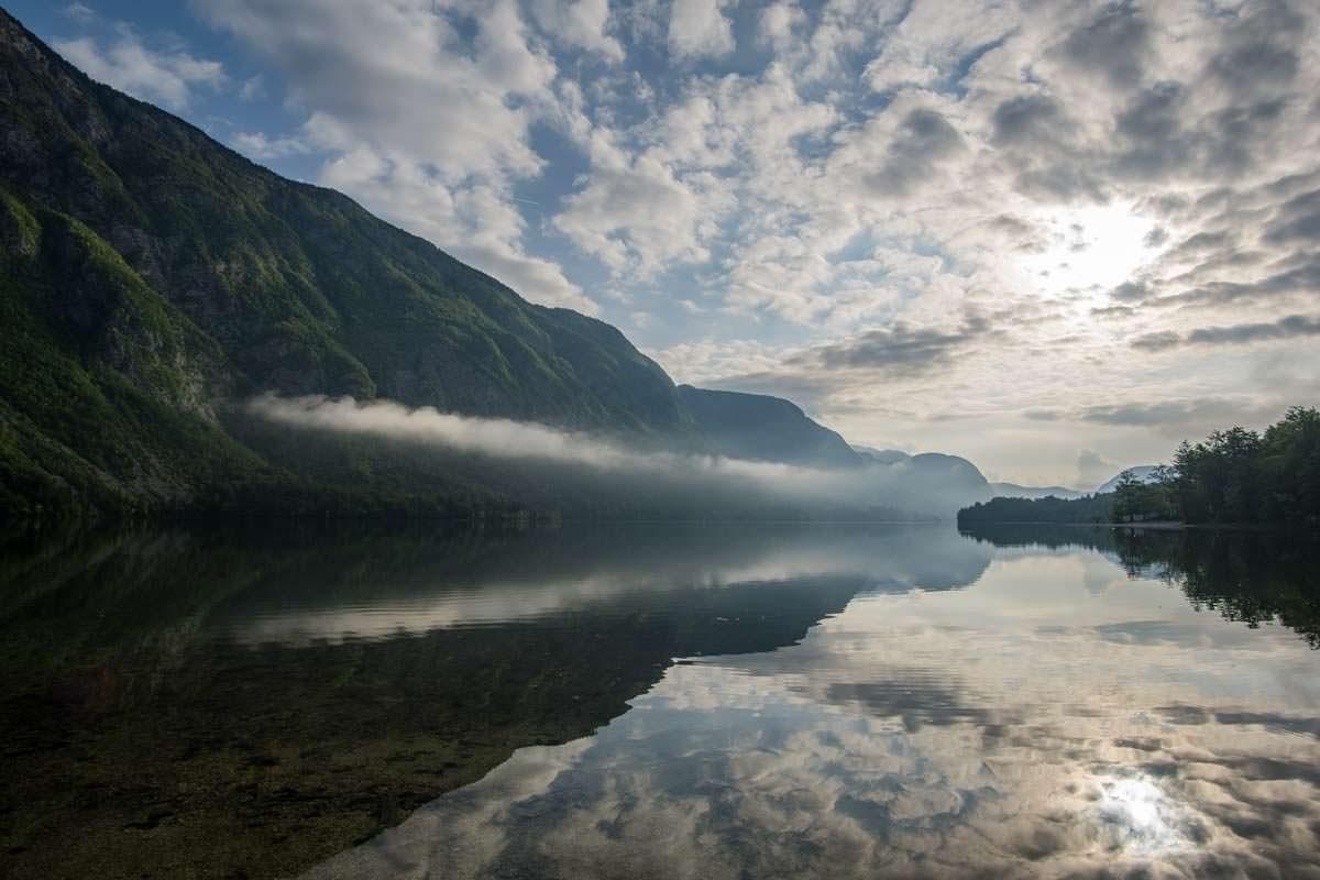 Wanderungen am Ufer des Bohinj See im Nationalpark Triglav