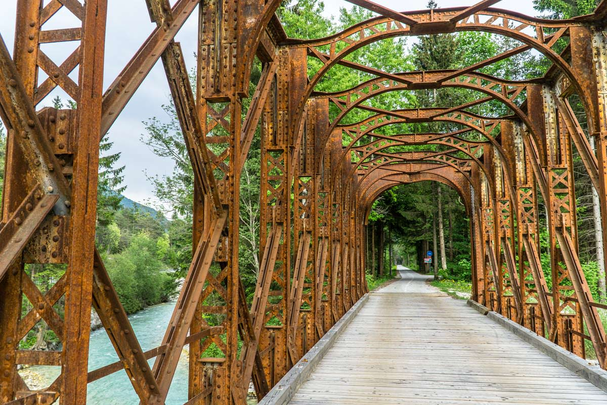 Eisenbahnbrücke in Gozd Martuljek