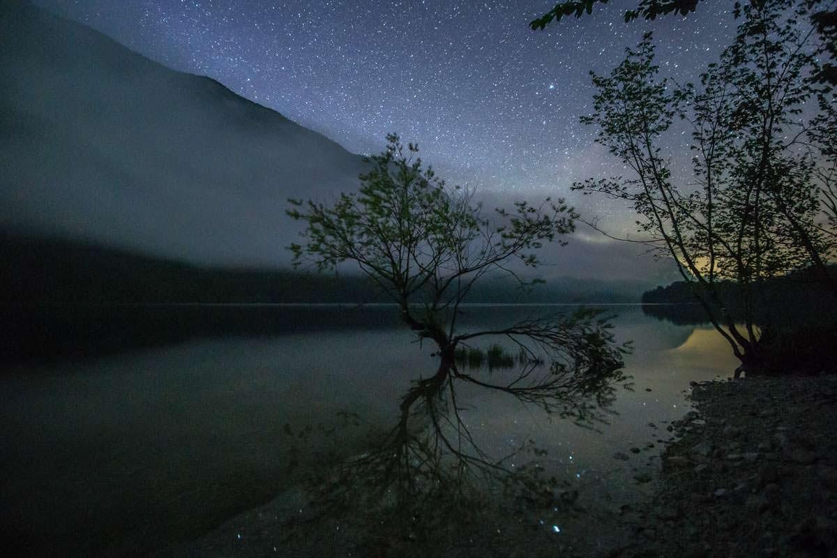 Camping am Bohinjsko jezero kann nass und kalt werden - dafür zeltet man direkt am Ufer des Sees