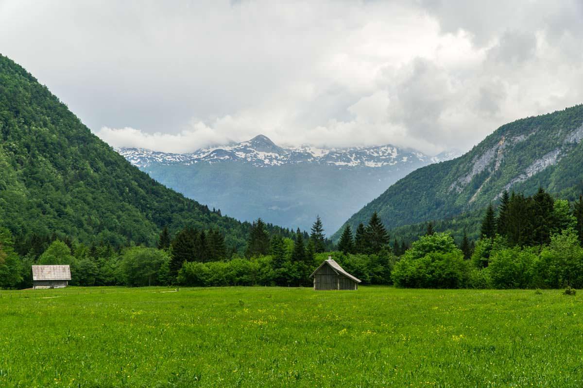 Wanderung durch das Voje Tal zum Mostnica Wasserfall im Nationalpark Triglav