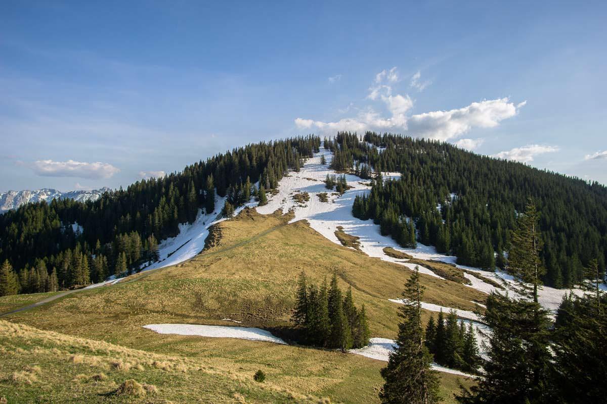Von der Alpspitz blicken wir auf den benachbarten Edelsberg