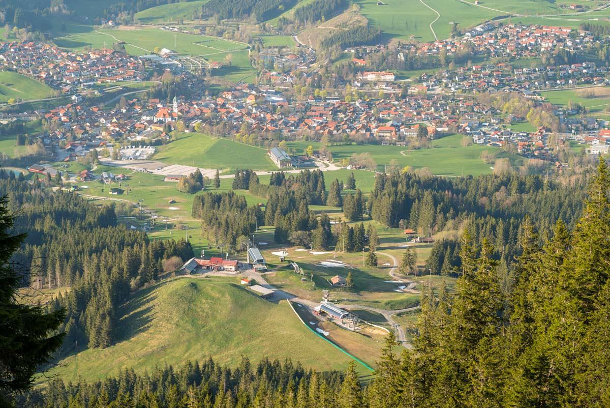 Skigebiet Alpspitzbahn und Nesselwang von Oben