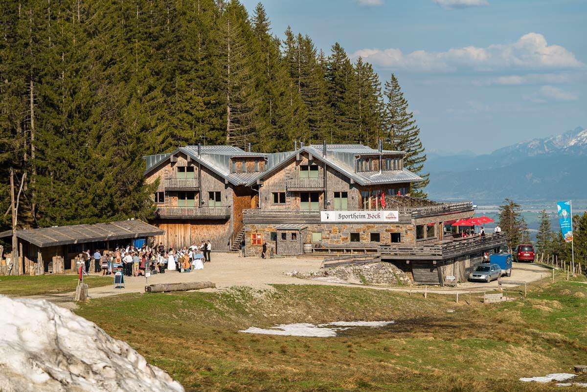 Das Sportheim Böck ist eine moderne Berglodge am Alpspitz