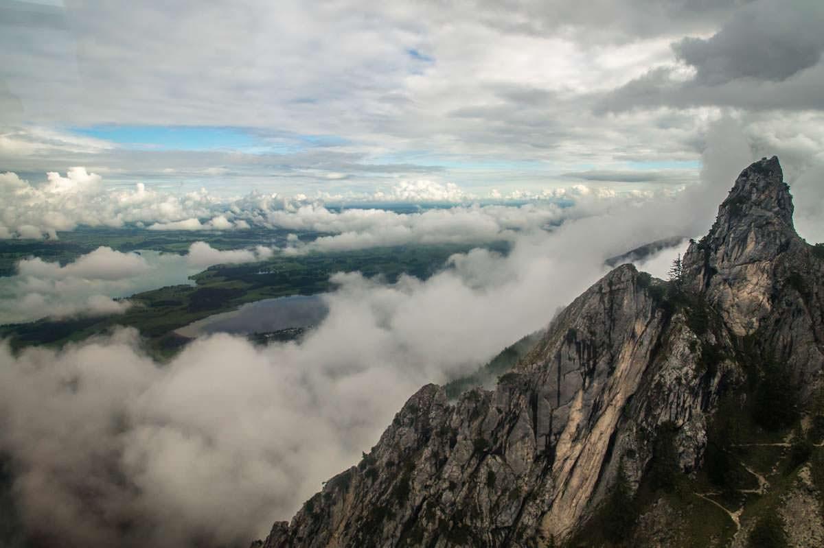 Das Tegelberg-Massiv besteht aus mehreren Zacken und Rinnen